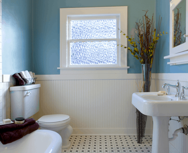 Tackling Damp in a Bathroom
